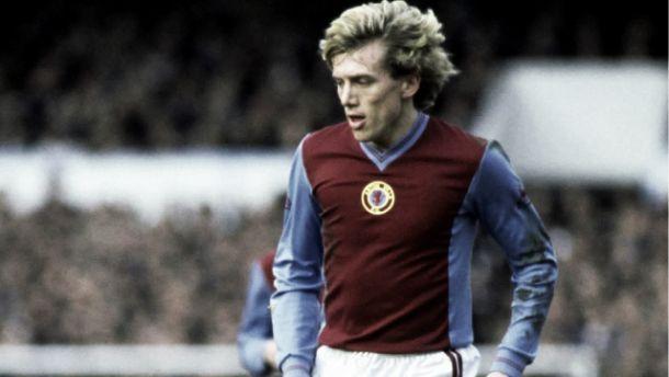 Tony Morley, la leyenda rubia de West Midlands