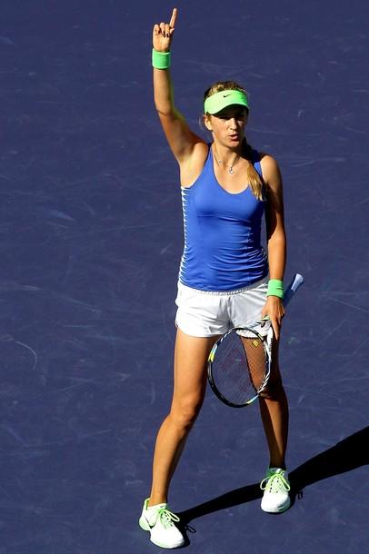 Azarenka destroza a Radwanska y ya está en semifinales