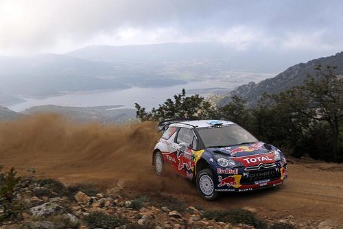 Hirvonen, al frente de un eliminador Rally de Cerdeña