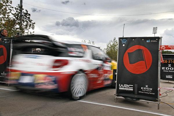 Loeb lidera en casa y se acerca a su noveno titulo
