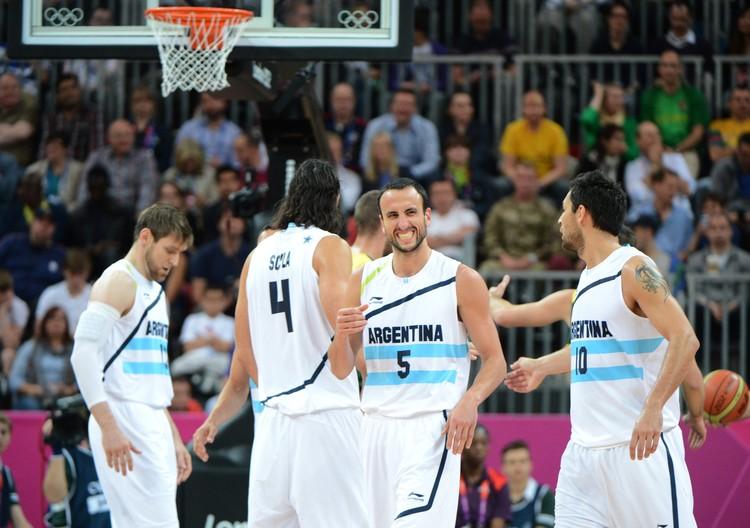El seleccionado de básquet debutó con una clara victoria frente a Lituania