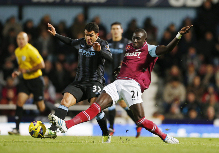 City freiné par West Ham