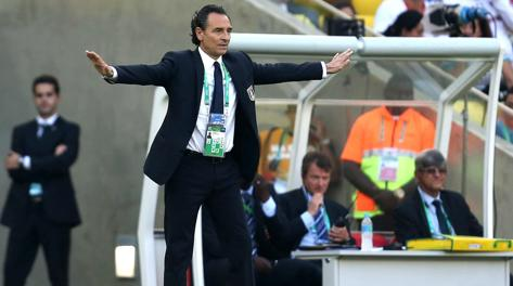 "Prandelli comemora resultado mas alerta Balotelli: ""Precisa parar de fazer exibicionismo"""