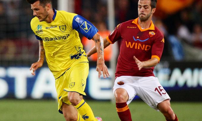 Thereau marca no fim e Chievo vence Roma fora de casa