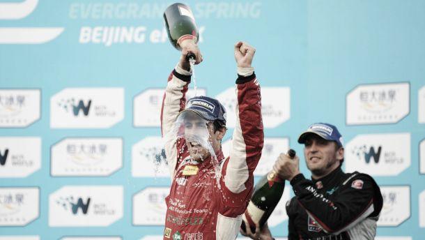 Formule E : Di Grassi s'offre la première après un spectaculaire accident
