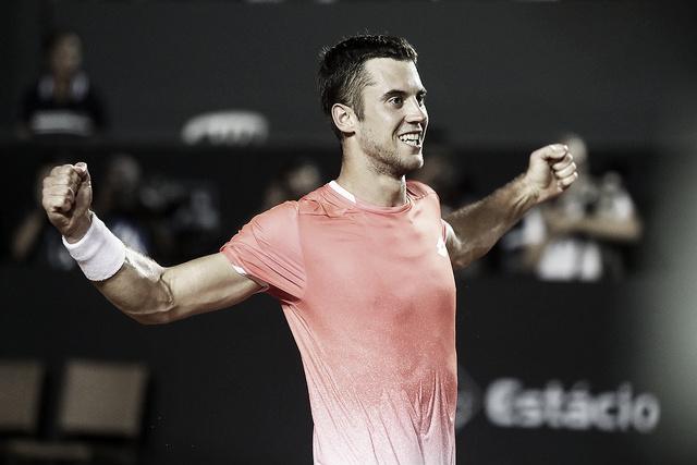 Djere joga muito, derrota Auger-Aliassime e conquista o título do Rio Open