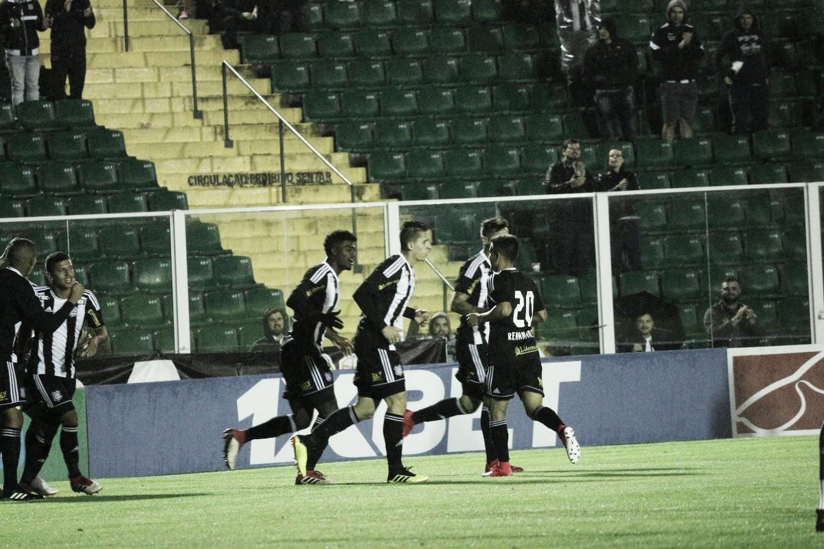 Figueirense vence Vila Nova e retorna ao G-4 da Série B
