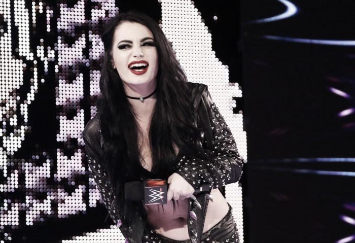 Paige hace su regreso a Monday Night RAW por todo lo alto