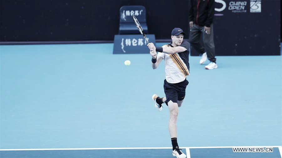 Edmund vence Gojowczyk de virada e avança à segunda rodada no ATP 500 de Pequim