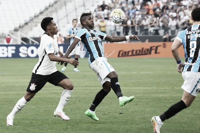 Em jogo movimentado e equilibrado, Corinthians e Grêmio ficam no empate