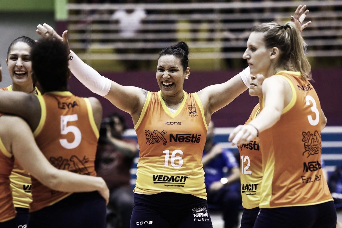 Osasco devolve derrota ao Praia Clube e empata série nas semifinais da Superliga Feminina