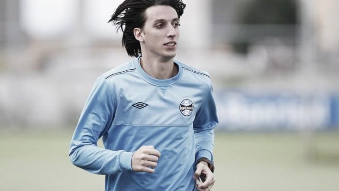 Pedro Geromel não trabalha com bola em dia de treinos específicos no Grêmio