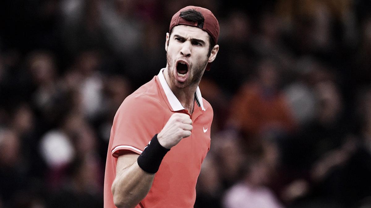 Impecável, Khachanov bate Djokovic e conquista maior título da carreira em Paris