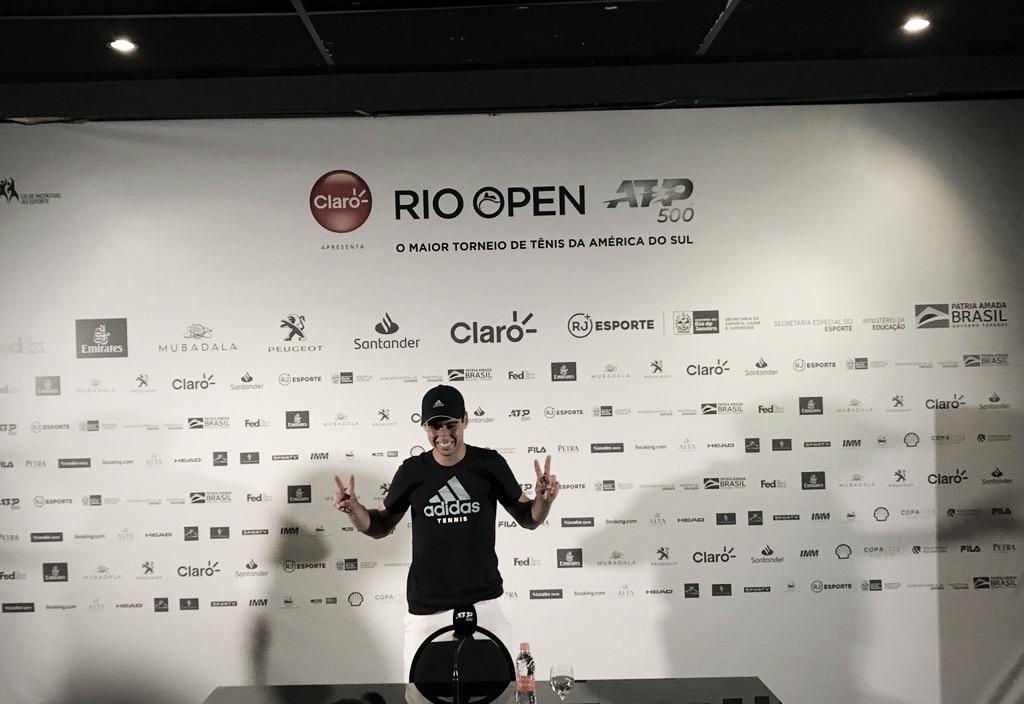 """Após vitória no Rio Open, Munar destaca importância de Nadal em sua carreira: """"Sou muito grato"""""""