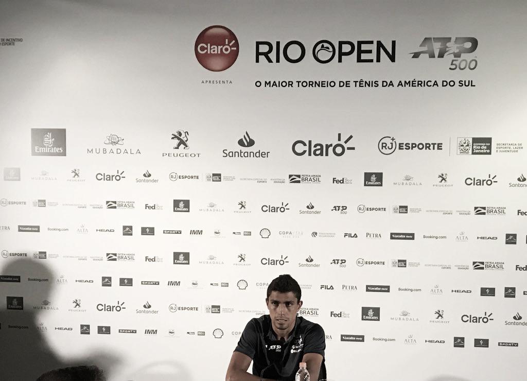 Monteiro comemora boa estreia no Rio Open e prega paciência para voltar a subir no ranking
