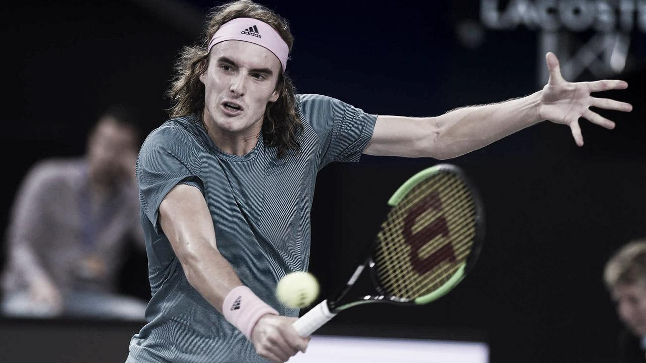 Tsitsipas confirma favoritismo, vence Hurkacz e está nas quartas do ATP 250 de Marselha
