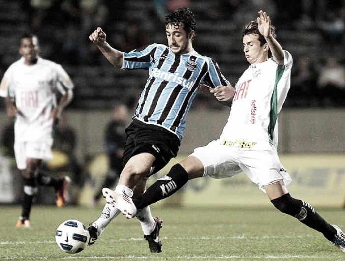 Opostos na tabela, América-MG e Grêmio se enfrentam com mudanças nas escalações