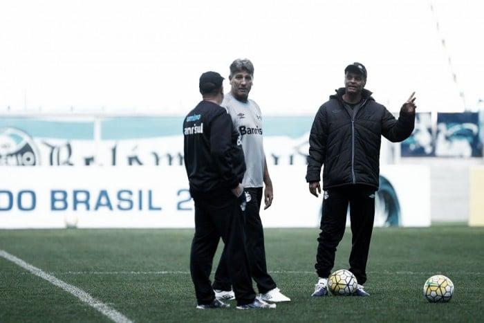 Renato faz treino fechado e mantém suspense antes da decisão contra Atlético-PR