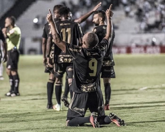 Ponte Preta bate Grêmio com gols de bola aérea e ultrapassa adversário na tabela