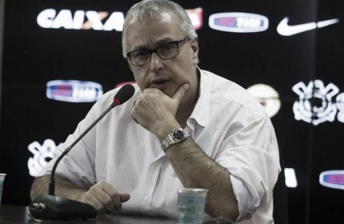 Presidente do Corinthians critica postura da torcida e pede mais apoio nos jogos