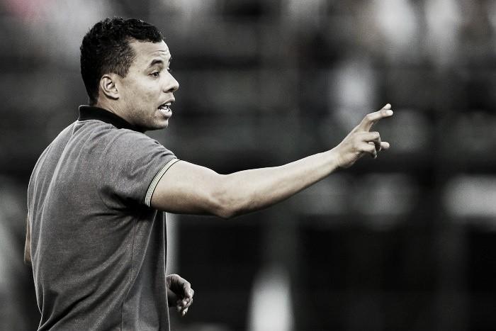 """Jair exalta desempenho do time na vitória sobre Atlético-MG: """"Botafogo está de parabéns"""""""