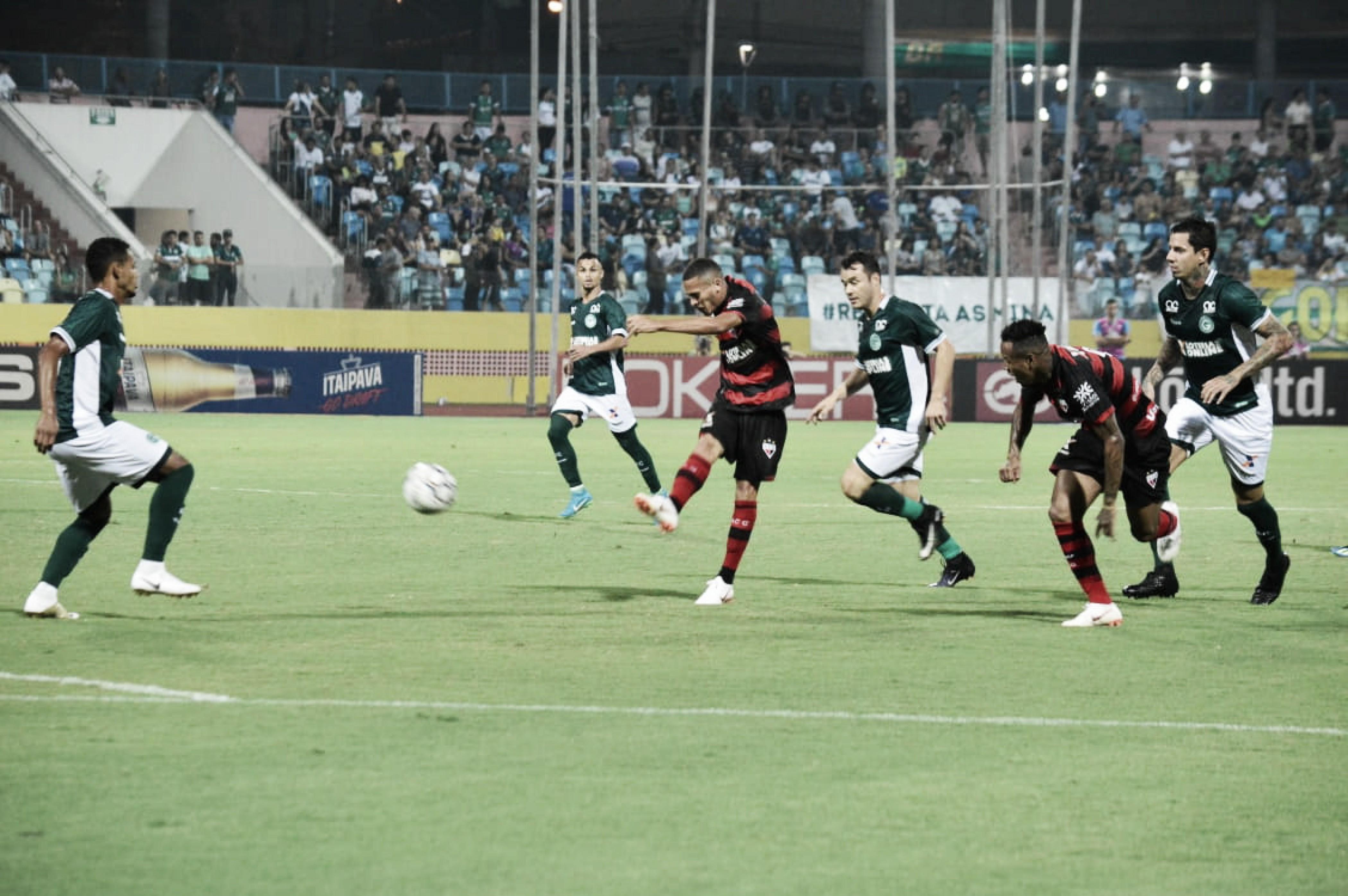 Goiás vence Atlético-GO de virada e chega ao terceiro lugar da Série B