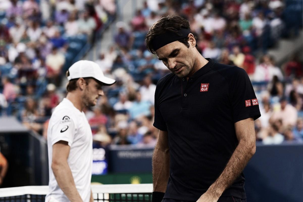 Com desistência de Goffin, Federer avança e enfrentará Djokovic na final em Cincinnati