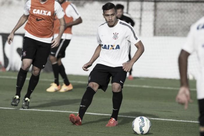 Corinthians promove atletas da base e reforça equipe principal