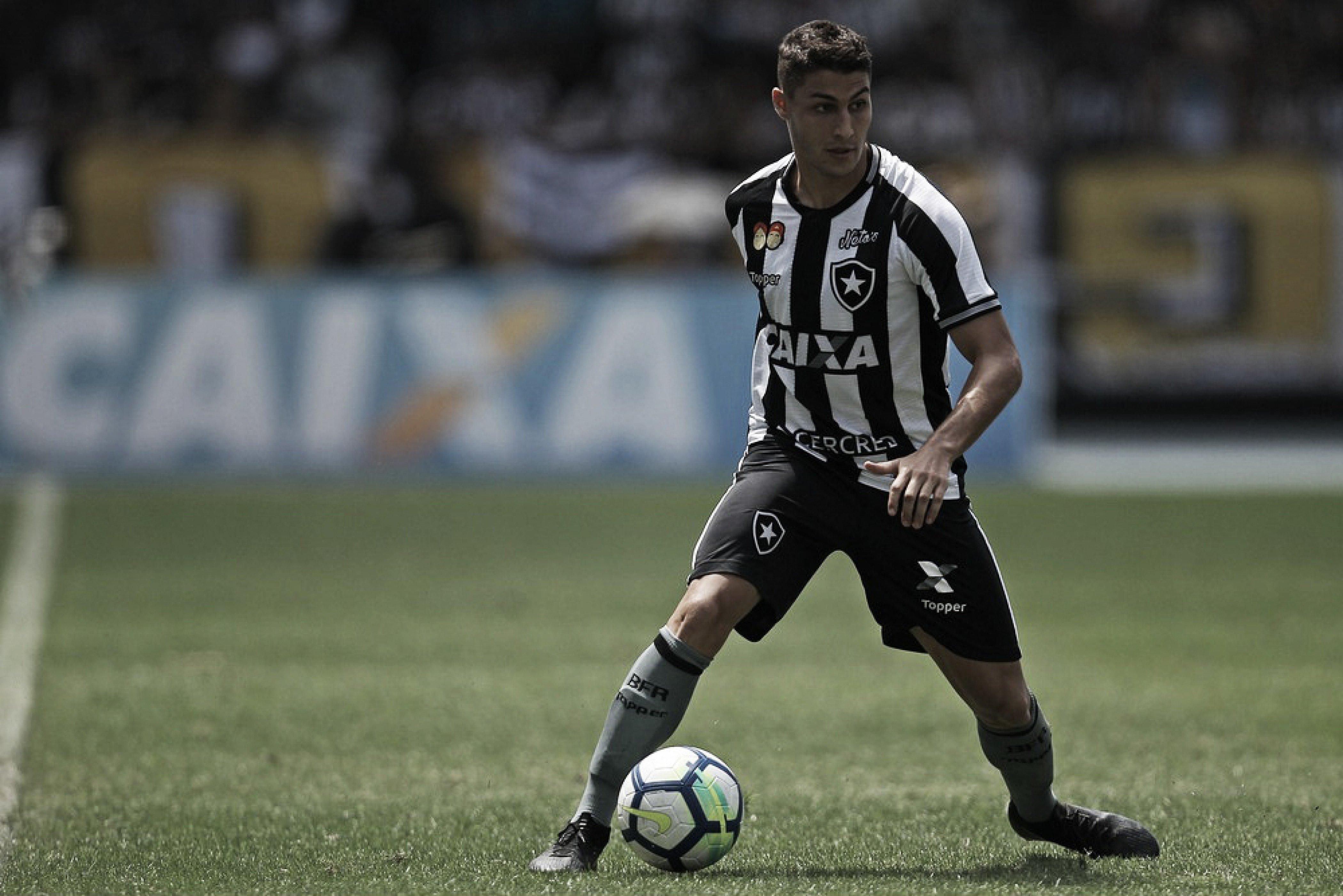 Marcinho mostra confiança em reação do Botafogo no Brasileiro e garante foco na Sul-Americana