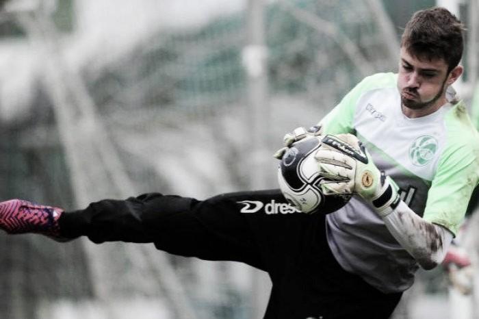 Destaque na temporada do Juventude, goleiro Elias defenderá Chapecoense em 2017