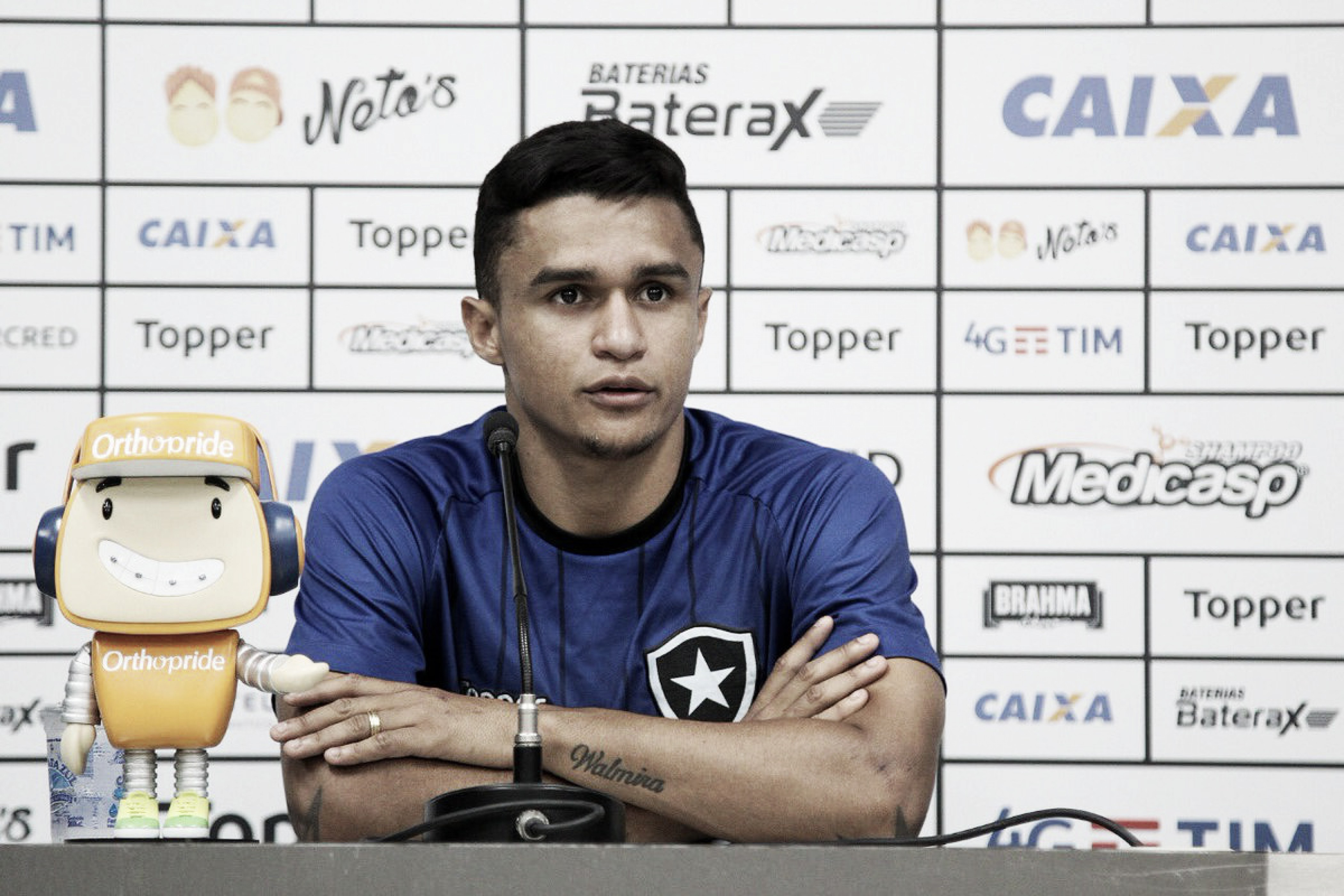 Erik agradece reconhecimento da torcida e garante foco na recuperação do Botafogo no campeonato