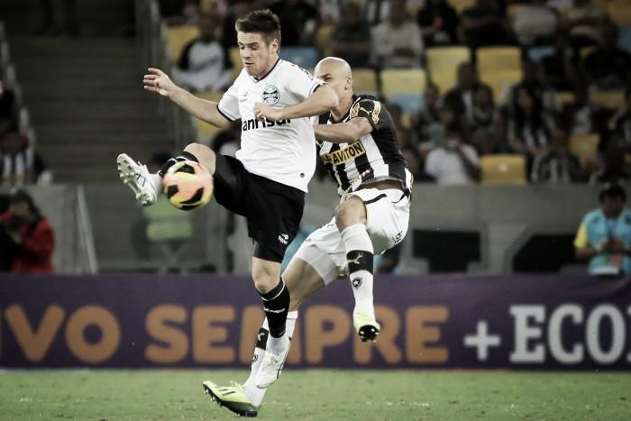 Com objetivos distintos, Botafogo e Grêmio duelam em jogo adiado do primeiro turno