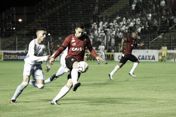 Brasil de Pelotas e Londrina fazem jogo equilibrado e empatam para somar primeiro ponto