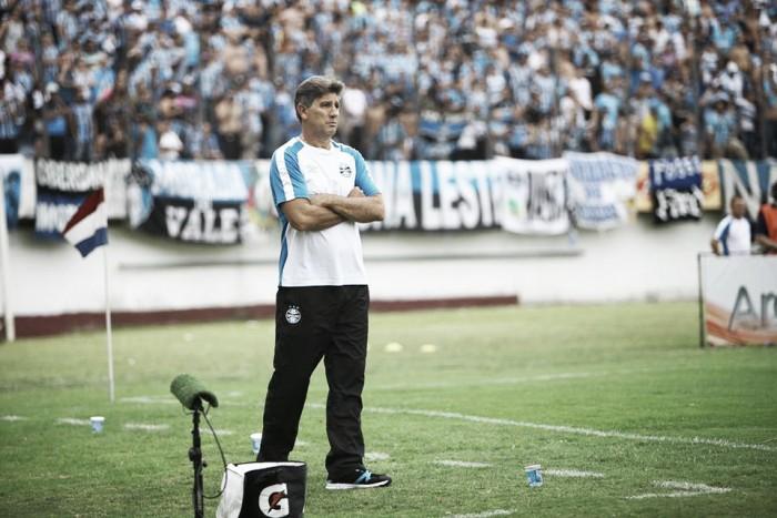 """Renato lamenta derrota em Caxias: """"Se não aproveitar oportunidades, acaba levando"""""""