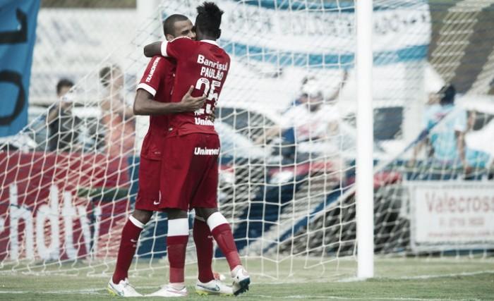 Defesa colorada: Das críticas a cinco partidas sem ser sofrer gols