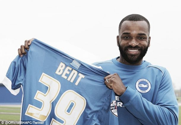 La odisea del gol de Bent atraca en Brighton