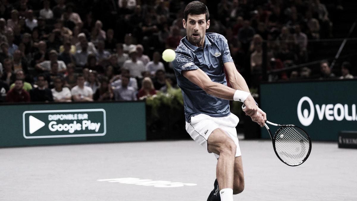 Na saga pela liderança do ranking, Djokovic estreia em Paris com vitória sobre Sousa
