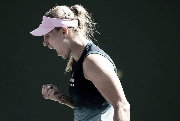 Kerber sofre, mas bate Muchova em duelo disputadíssimo e avança no WTA de Miami