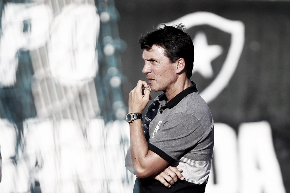"""Após eliminação no Carioca, Zé Ricardo reforça prioridade: """"Atenção maior às duas copas"""""""