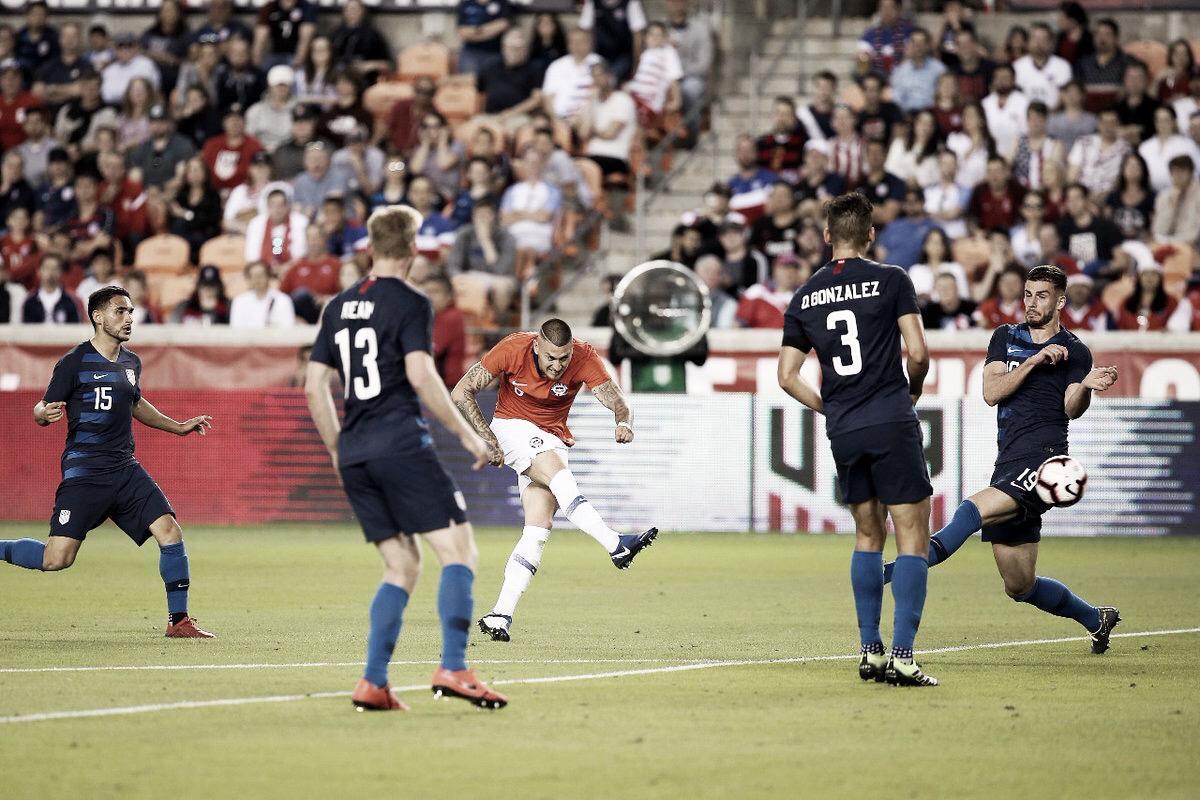 Com gols no início, Estados Unidos e Chile ficam no empate em jogo modesto