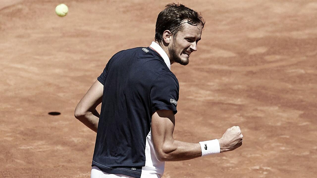 Em jogo disputadíssimo, Medvedev vence Nishikori e vai à decisão do ATP 500 de Barcelona