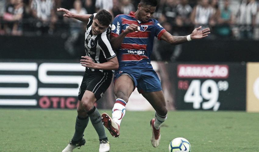 """Após estreia com vitória, Fernando mira titularidade no Botafogo: """"Estou pronto"""""""