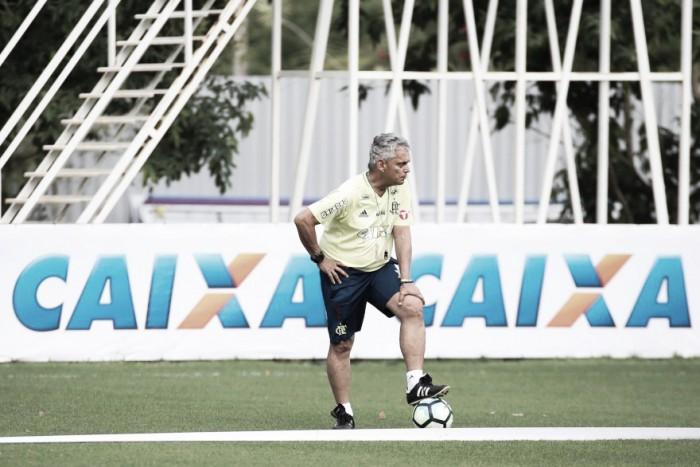 """Rueda comenta desafios no Brasileiro e promove Lincoln aos profissionais: """"Tem muito futuro"""""""