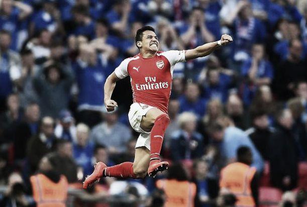 Sanchez porta l'Arsenal in finale, un eroico Reading si arrende ai supplementari