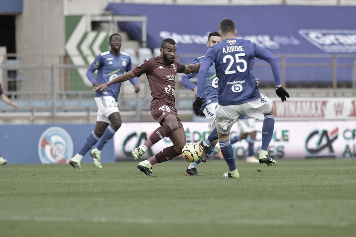 Strasbourg busca empate duas vezes com Metz e ambos seguem na parte inferior da tabela