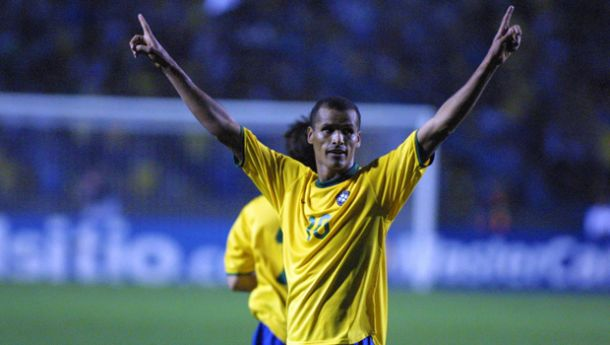 Troca de técnicos e resultados instáveis: campanha da Seleção Brasileira nas Eliminatórias da Copa de 2002