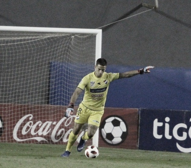 PROMESA GUARANÍ. Espínola, es el futuro del fútbol paraguayo. ¿Llega al Tomba?. Foto: Web