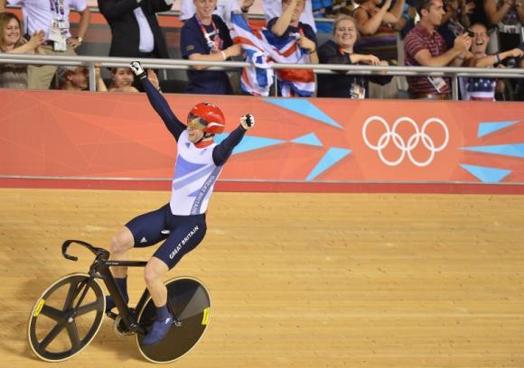 Jason Kenny vence en el sprint masculino