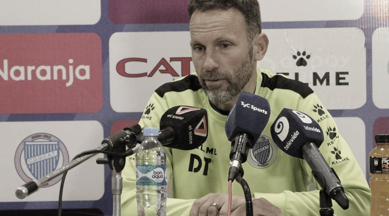 """Bernardi: """"El arbitro fue decisivo en el partido"""""""
