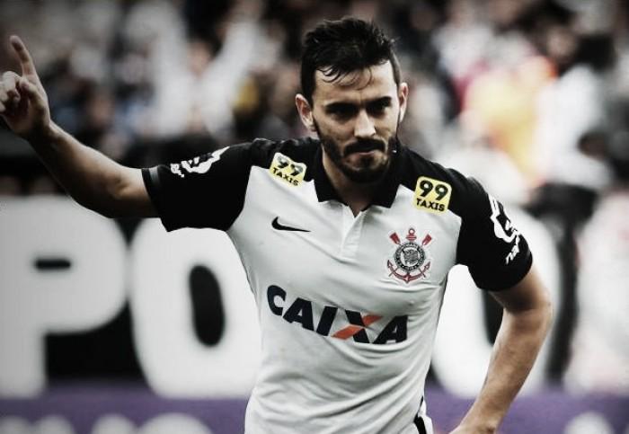 Corinthians vira sobre Coritiba com gol de Uendel e assume liderança provisória